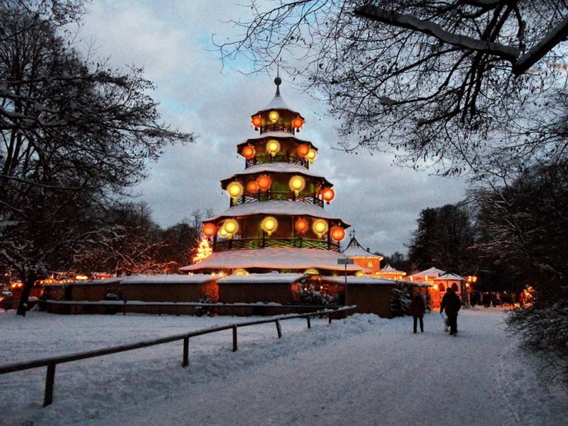 exklusive-lichtinstallation-weihnachten.jpg