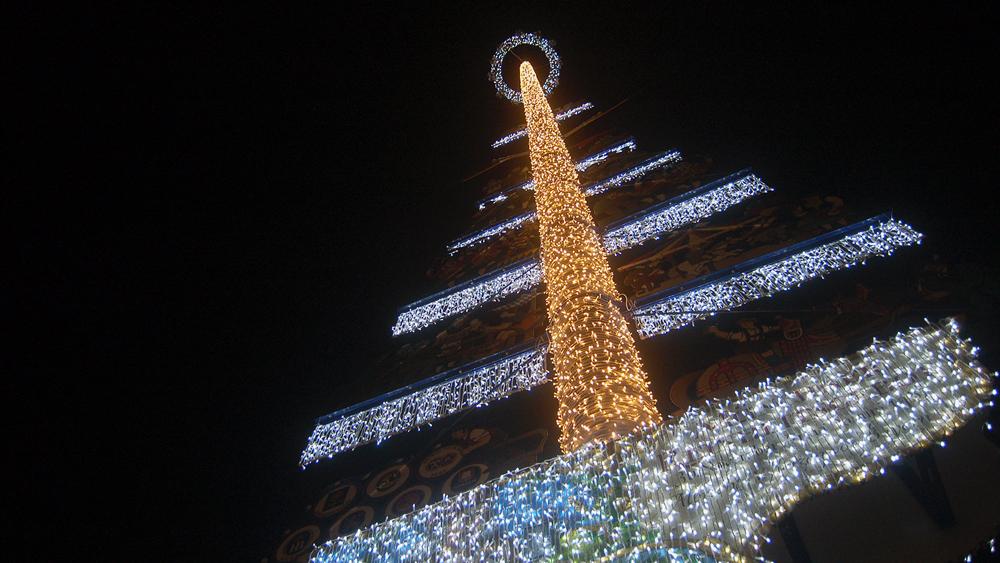 Viktualienmarkt-lichtinszenierung-weihnachten.jpg