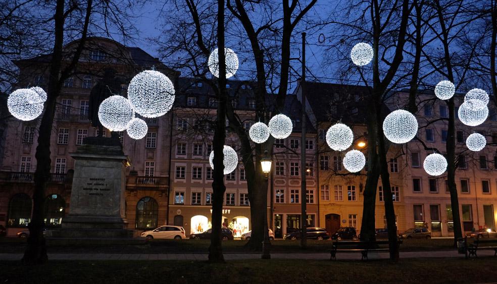 lichtinstallation-weihnachten.jpg