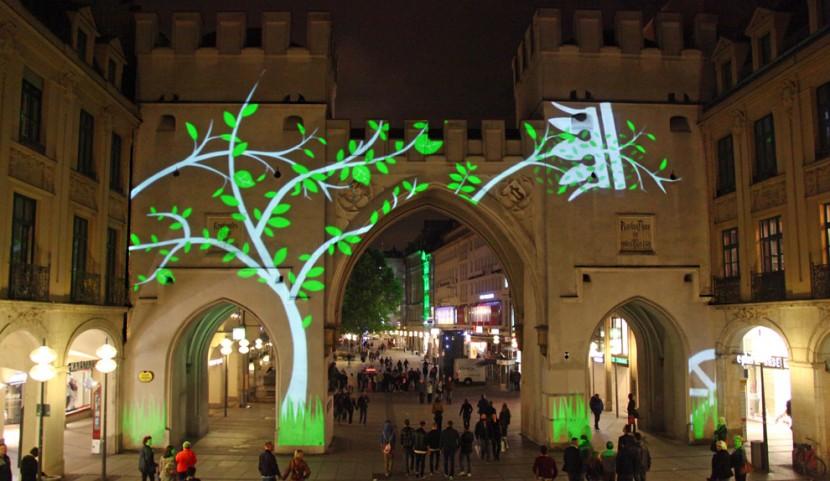 Videoinstallation, Lichtkunst, Lichtinstallation am Karlstor München