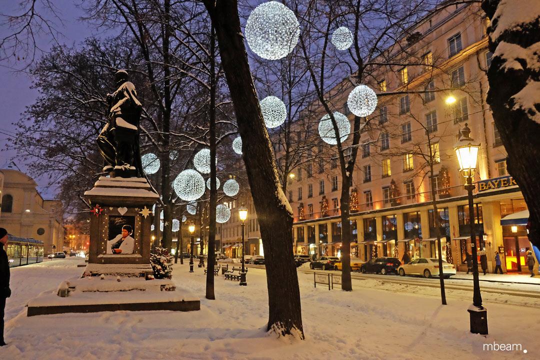 Exklusive Lichtinstallation am Münchner Promenadeplatz